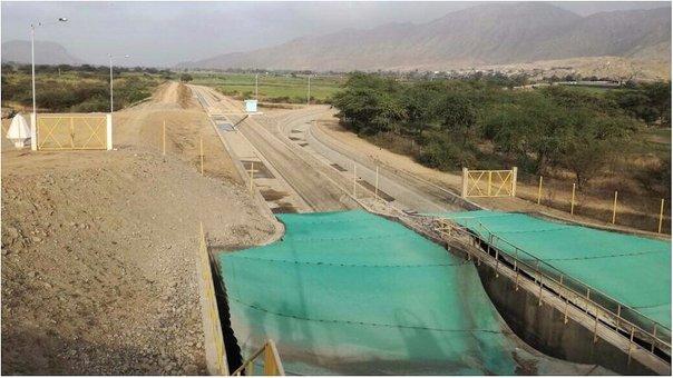 MINAGRI realiza mantenimiento de represa de Gallito Ciego