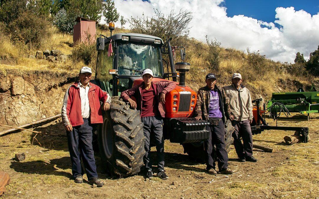 MINAGRI: Productores de leche de Los Morochucos reciben primeros bienes cofinanciados por Planes de Negocio