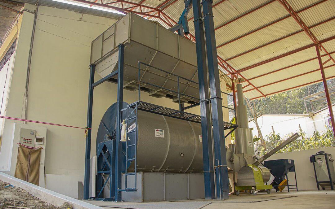 Cooperativa Agraria Cafetalera Huadquiña recibe maquinaria y equipos por más de un millón de soles